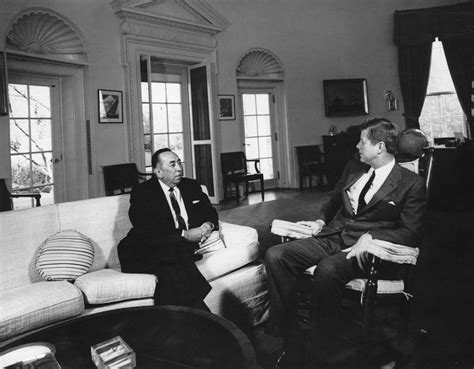Mahathir A Profile On Courage Pengarang J Victor Morais ar7581 b president f kennedy with former ambassador of bolivia victor andrade f