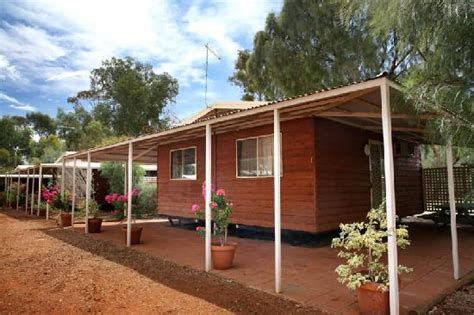 Ayers Rock Cabins ayers rock cground picture of ayers rock cground