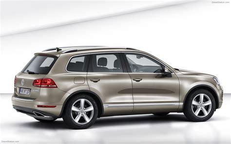 Volkswagen Touareg 2011 Widescreen Car Wallpapers