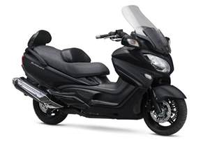 Scooter Suzuki Burgman 650 Executive 2017 Suzuki Burgman 650 Executive Review