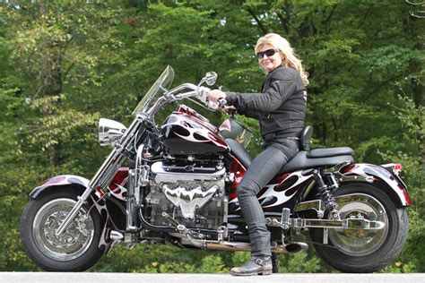 Boss Hoss Motorr Der Schweiz by Boss Hoss B 228 Ndigerin Motorradnachrichten Motorradonline De