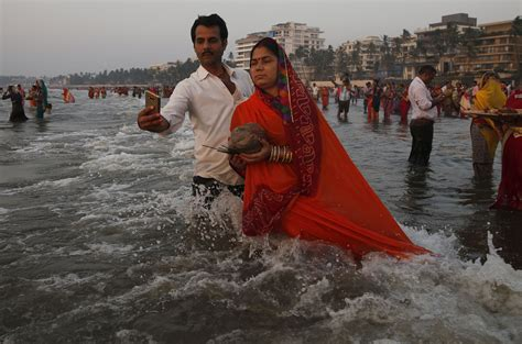 festival in india 2016 celebrating the ancient hindu chhath puja festival