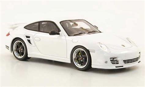 Diecast Miniatur Replika Mobil Porsche 911997 S Coupe porsche 997 turbo s tequipment ii white spark diecast