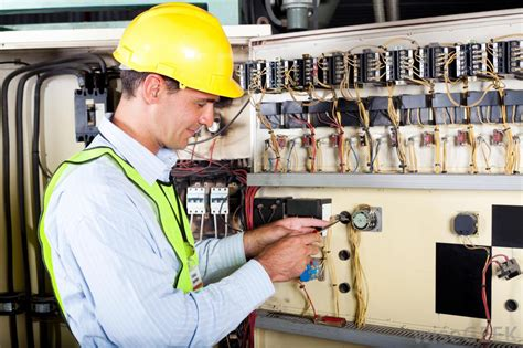 Electrical Mechanical Technician by What Are Some In Electrical Engineering With Pictures