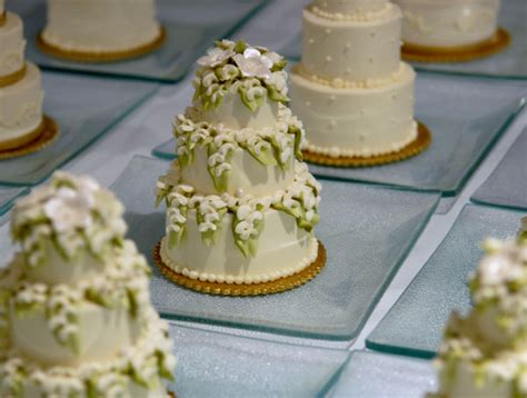 Mini Wedding Cakes by The Awesometastic Bridal Mini Wedding Cakes