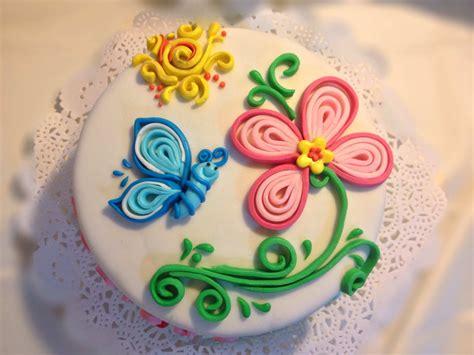fiori con pasta di zucchero tecnica quilling cake torta con tecnica quilling queques