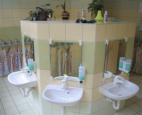kinderwaschtisch badewanne waschbecken kinder ein rundgang in der schlo stra e