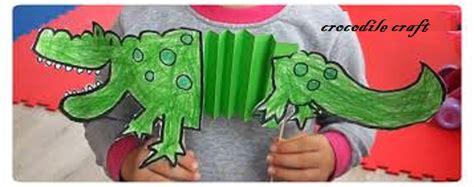 crocodile crafts for alligator crafts idea for folding paper preschool
