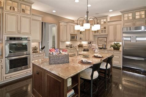 dream kitchen cabinets 1000 ideas about cream colored cabinets on pinterest