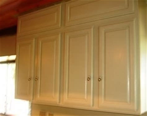 off the shelf kitchen cabinets home staging tips