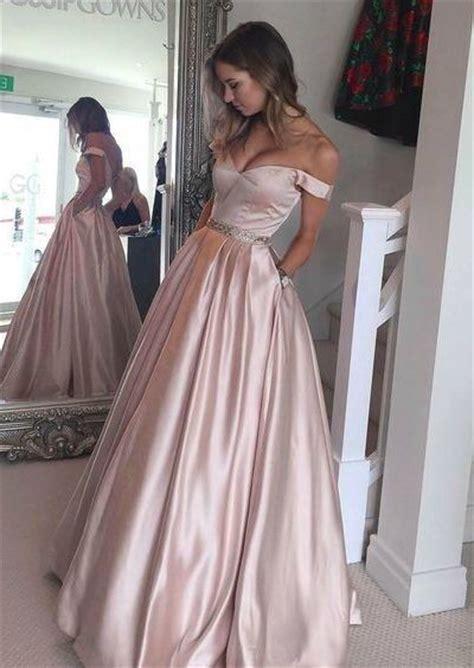 1000  ideas about Off Shoulder Dresses on Pinterest   Formal cocktail dress, Off shoulders and