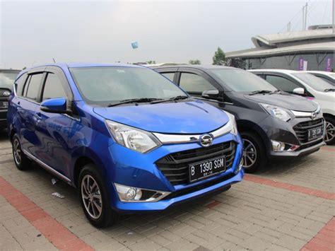 Cover Mobil Cover Bodycover Mobil Daihatsu Sigra Baru 5 hari diluncurkan inden daihatsu sigra tembus 3 000 unit