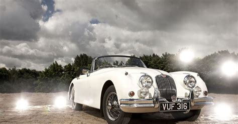 Vacum Komedo By Jk Onlineshop classic jaguar cars take centre stage in coventry