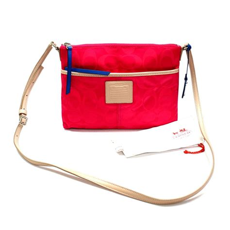 coach swing bag coach legacy weekend colorblock signature nylon hippie