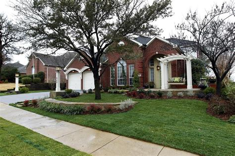 landscaping ideas for curb appeal landscaping ideas from hgtv s curb appeal curb appeal hgtv