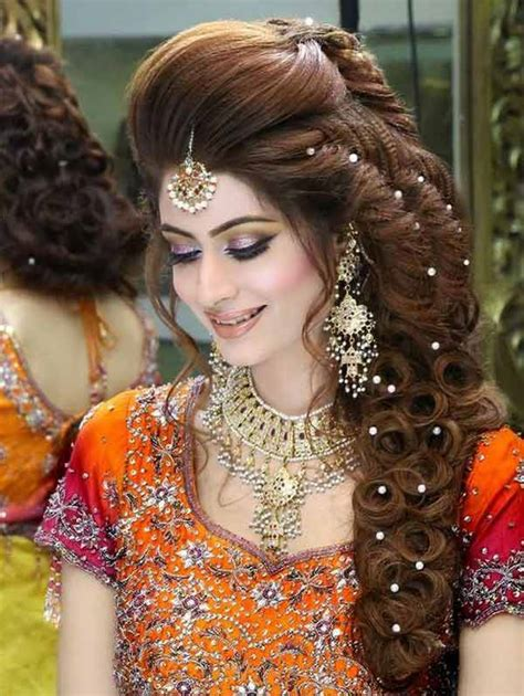 dapper brides with long hair pakistani mehndi hairstyles for bridals in 2018 fashioneven