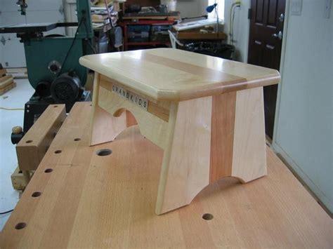 kreg woodworking projects personalized kreg stool by joejt lumberjocks