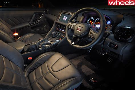 Nissan Gtr Interior by 2017 Nissan Gt R Review