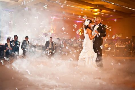 Wedding bubble maker and smoke machine, not crazy about