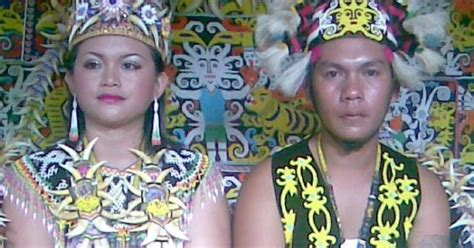 Baju Adat Orang Dayak quot sanggar nusantara dot quot jakarta sewa busana baju pakaian adat suku dayak paket rias