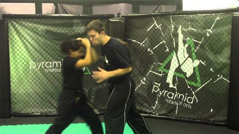 swinging punch self defence for women escape from the haymaker swing