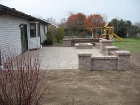 bobs grading paver patio and pit