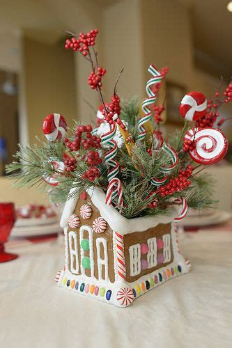gingerbread house centerpiece gingerbread men   cute  houses pinterest