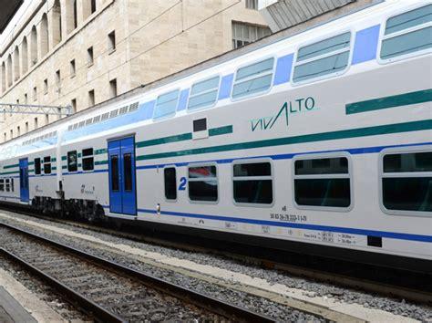Carrozze Treni Sequestrate 30 Carrozze A Trenitalia Per Gli Scarichi Dai