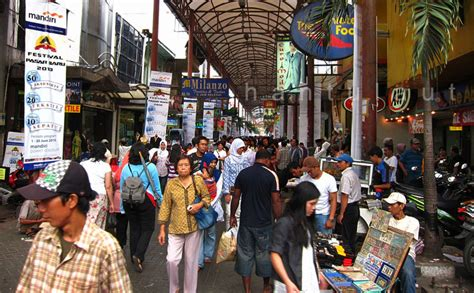 Shop Jakarta shopping guide pasar baru jakarta indoindians