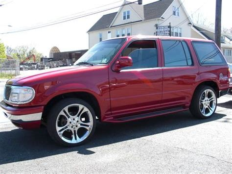 ford explorer 96 find used custom 96 ford explorer xlt clean low in