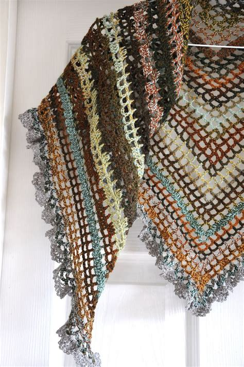 triangular crochet shawl crochet crochet shawl