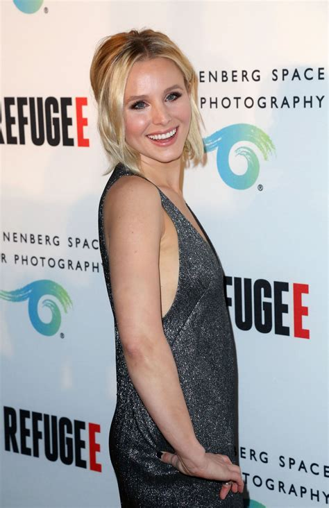 houzz kristen bell kristen bell refugee exhibit opening at annenberg space