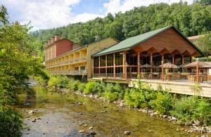 river house gatlinburg tn river terrace resort gatlinburg tn booking com