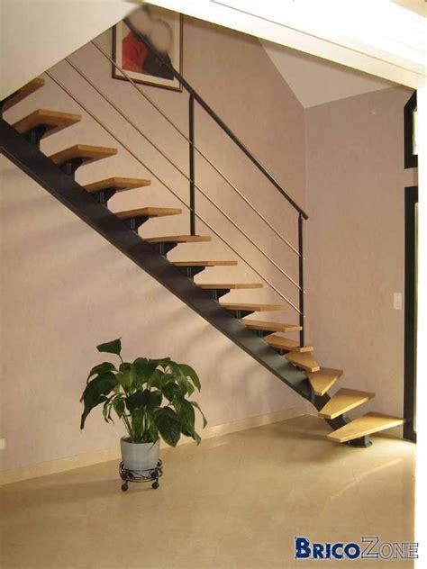 Comment Refaire Des Escaliers by Escalier Quart Tournant Limon Central