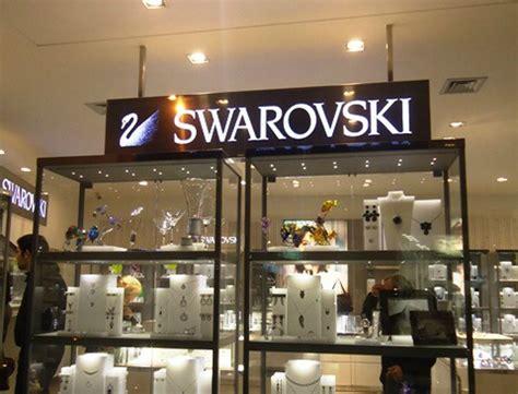 ladari di swarovski ancona furto da swaroski in corso garibaldi