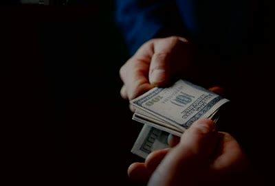 Stres Karena Tekanan Kartu Kredit merchant talangin pembayaran kartu kredit