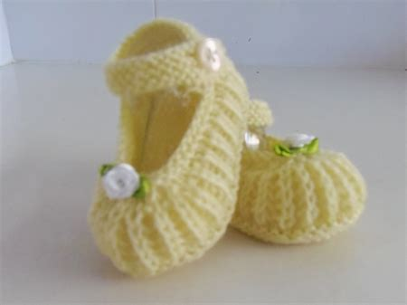Custom Order Huruf B 10cm custom order for winsome lemon booties made for