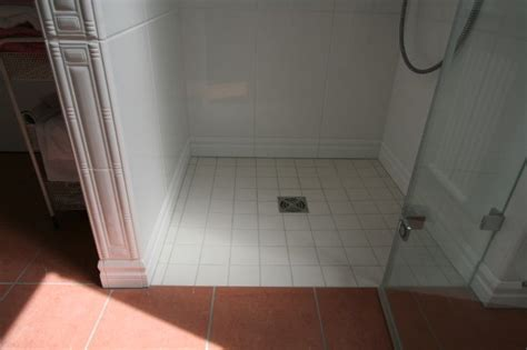 zementfliesen dusche zementfliesen in dusche verlegen raum und m 246 beldesign