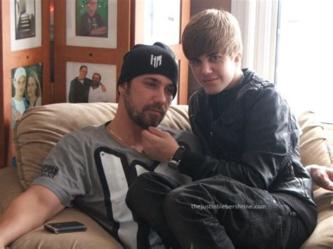 justin biebers dad visits with his famous son amid the http thejustinbiebershrine com wp content uploads 2011