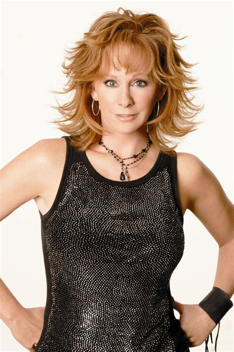 pics of reba mcintyre in pixie hair style what will reba mcentire hairstyles be like in the next 50