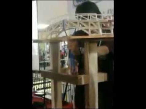 desain jembatan dari stik es krim jembatan dari stik es krim mu menahan beban 65 kg youtube