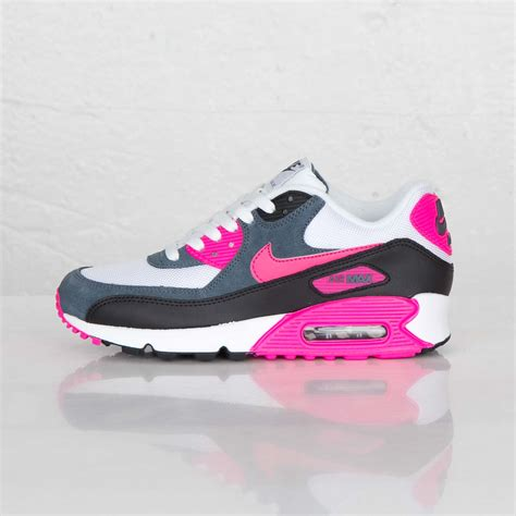 Nike Air Max 90 White Pink nike air max 90 essential womens white pink foil black armory blue trainers uk outlet