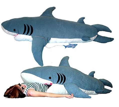 shark pillow that eats you pour les fans de requins le duvet sp 233 cial passionn 233 s