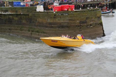 speed boat yorkshire leaving bridlington harbour picture of bridlington speed