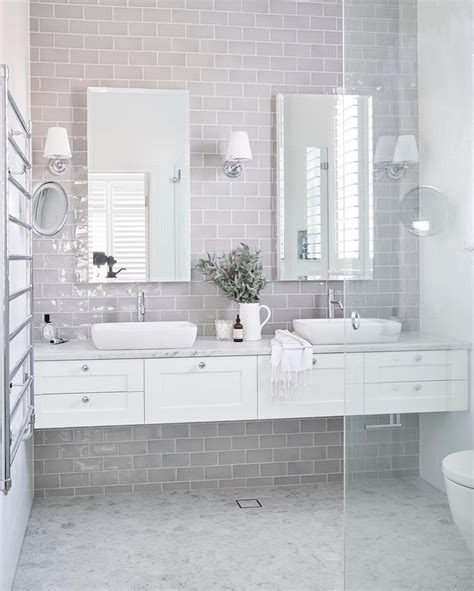 bathrooms styles ideas best 25 hton style bathrooms ideas on