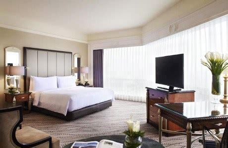 deretan hotel tertinggi  surabaya fasilitas mewah harga