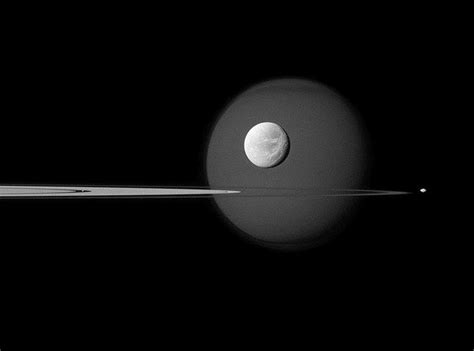 moons on saturn wordlesstech majestic saturn moons from cassini