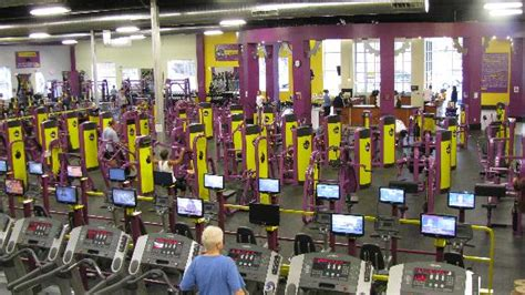 planet fitness no bench press gym chains of today are stealing your money zelsh
