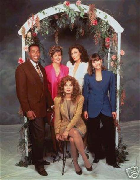 cast of designing women designing women cast photo sitcoms online photo galleries