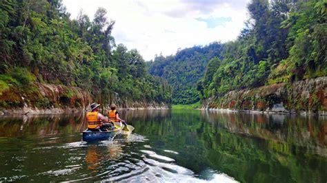 canoes nz whanganui river canoes raetihi new zealand new zealand